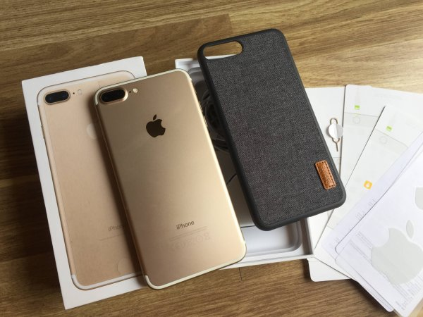 Vendita Nuovo Apple iPhone 7/7 Plus 128Gb,Galaxy S7 Edge 32Gb,PS4 Pro 1TB - Originali - Garanzia