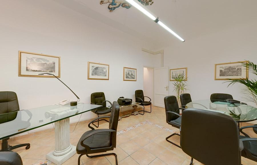 Uffici arredati attrezzati affittasi subito pronti con for Uffici arredati roma