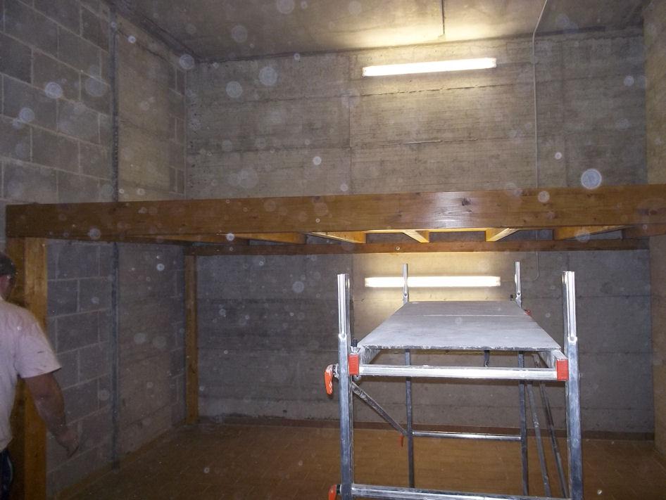 Soppalco in legno per garage questo modello ha for Quanto costruire un garage per 3 auto